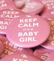 "Button ""Keep Calm it's a Baby Girl"" - 56 mm"